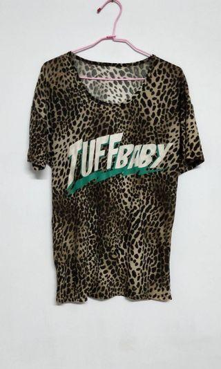 🚚 豹紋棉質上衣 全新僅下水 便宜出售 特價 $ 290  商品售出不退換😊 請考慮清楚喔!