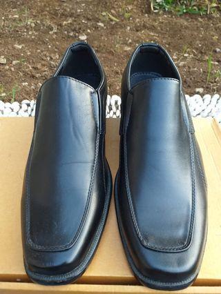 Sepatu formal Robelli - Size 41 Black