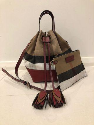Burberry heston canvas bucket bag