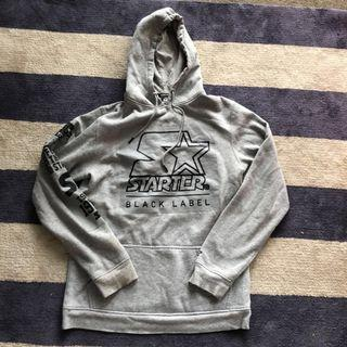 Starter hoodie size medium