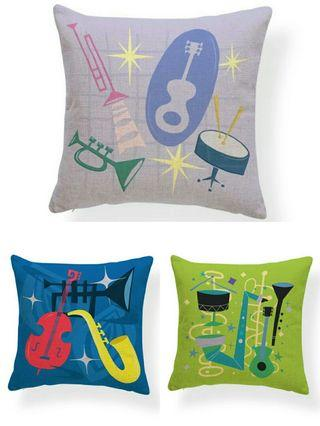 🚚 🌟PM for price🌟 🍀Retro Design Printed Cushion Cover🍀
