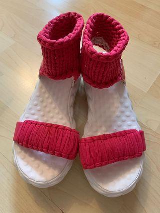 Sandals 相機桃紅色 全新