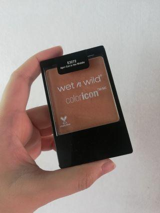 WET N WILD COLOR ICON BLUSH APRICOT IN THE MIDDLE
