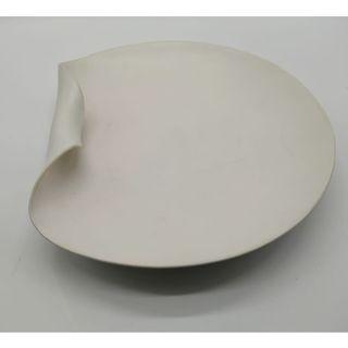 Round Plate with curved edge