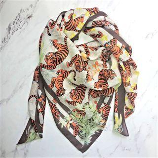 Square Scarf - The Tiger Squad (Corn Skin)
