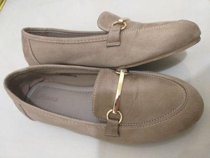 Flat shoes glamour gold merk bata mulussss