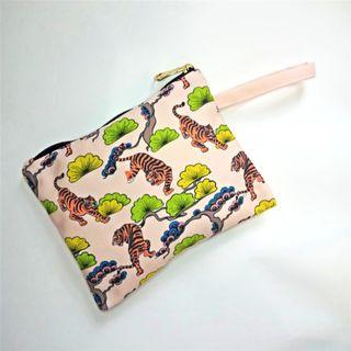 Flat Pouch - Tigers & Trees #maugopay