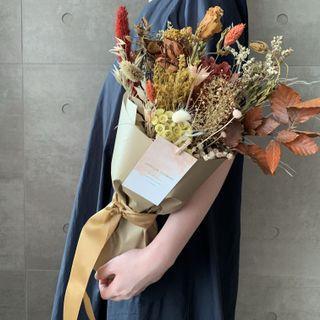 🚚 Dried And Preserved Flower Bouquet Warm Orange
