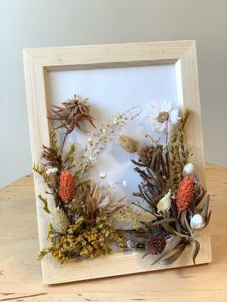 🚚 Dried Flower and Preserved Frame