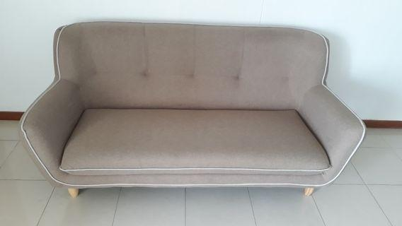 3 seater sofa L180cm x H90cmx W83cm