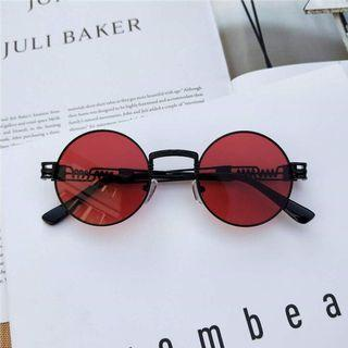 Round Sunglasses in Red