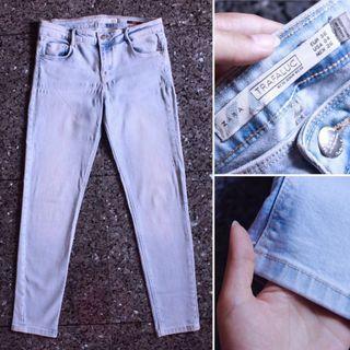 ZARA light blue denim jeans duma