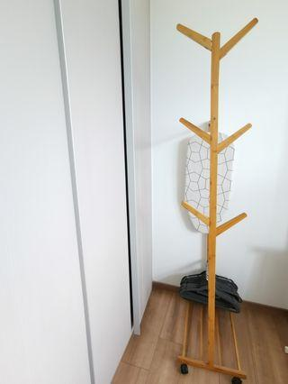 Nordic wooden rack with wheels