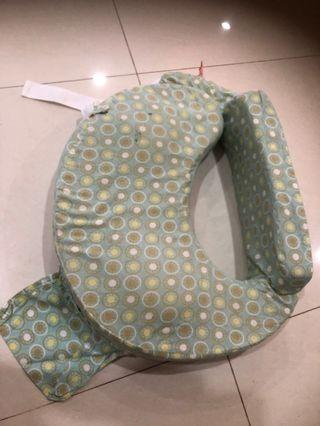 🚚 My Brest Friend Nursing Pillow