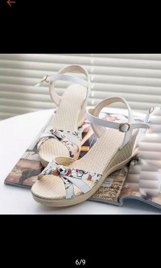 🚚 Brand new open toe wedges