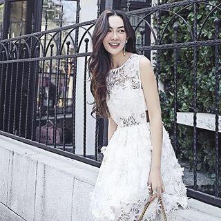 白色 蕾絲 花 連身裙 露腰 透視 謝師宴 婚宴 清新