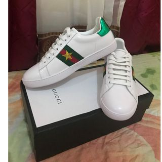 f984119bc Gucci Ace Embroidered Women Sneaker Shoes with Gold Star Design (White  Leather)