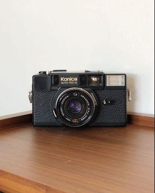 Konica C35AF2 Vintage 35mm Film Camera with Flash