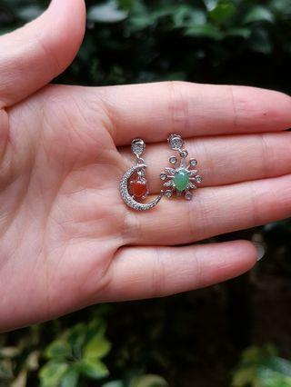银镶红绿翡翠不对称日月耳环