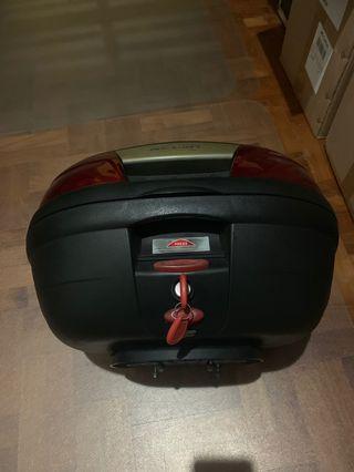 Kappa box with baseplate