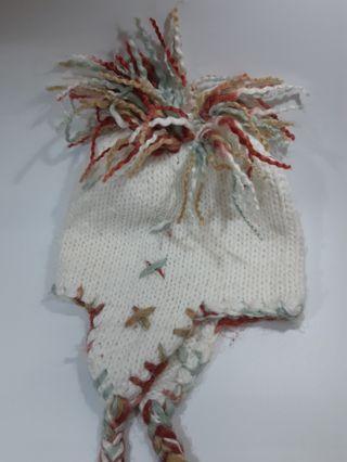 🚚 白色辮子毛帽