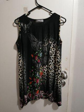 EVERYTHING $3!! Bedazzled top