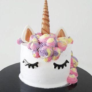 Unicorn Colorful Cake #01000
