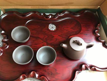 紫砂茶具一壺三杯連全新實木茶盆
