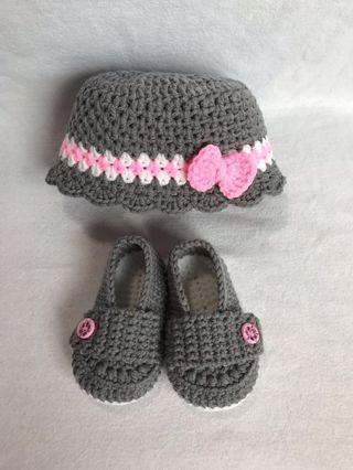 Crochet Baby Girl Hat and Shoes Set