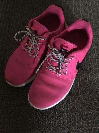 Nike Sportswear Pink 防水