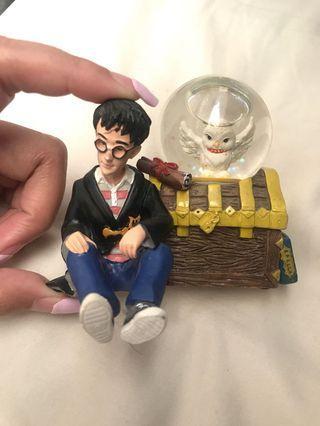 🚚 Harry Potter Snow Globe figurine