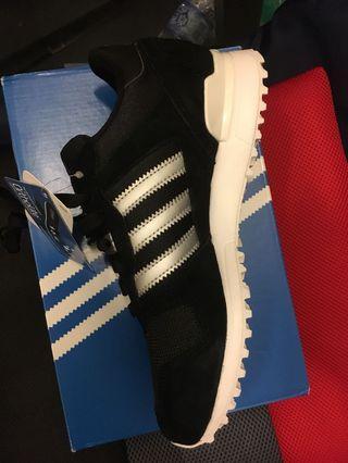 Addidas Originals ZX700 BB1215 運動鞋,鞋碼38,uk5, 黑色銀間