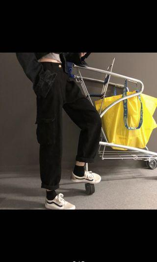 🚚 Black pocket pants