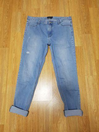 GIORDANO MID RISE SLIM TAPERED DENIM JEANS