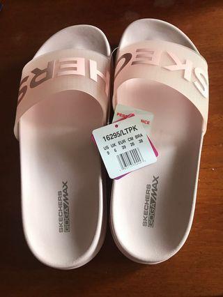 Skechers sandals #endgameyourexcess