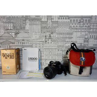 Kamera DSLR - Nikon D5000, + Nikkor lens 24-120mm VR