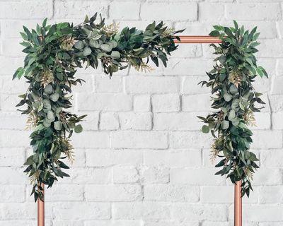 🚚 Eucalyptus garland/ floral arch