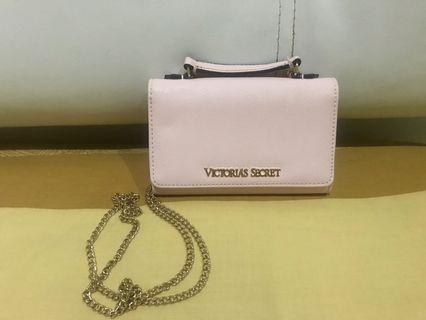 Victoria secret wallet on chain (soft pink)