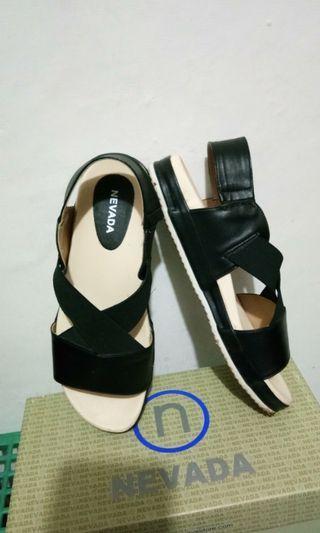 Sepatu/sandal Nevada
