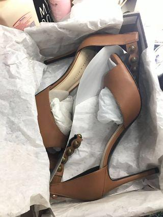 CK1-60361013 - Heels Charles & Keith size 39