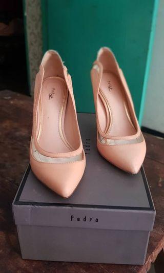 Sepatu heels pedro