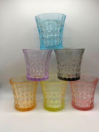 彩色玻璃杯
