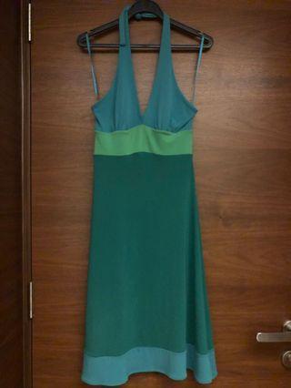 🚚 BCBG emerald green halter dress