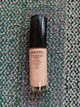 RM50 Shiseido Synchro Glow Foundation with Spf 20