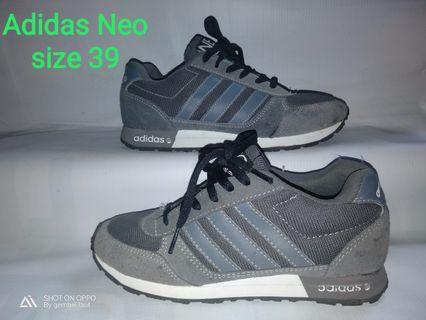 #mauthr Adidas second dhoes