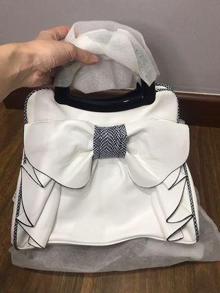 White Handbag / Sling Bag