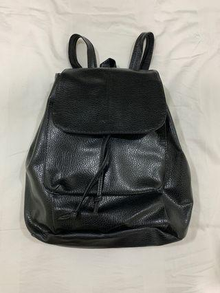 🚚 Small Black Backpack