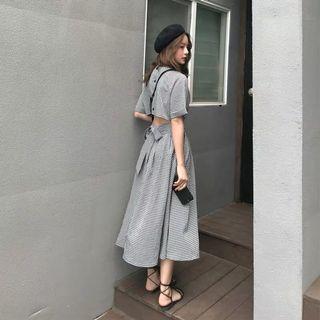 露背小心機格紋連衣裙