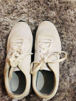 NIKE authentic - white running shoes