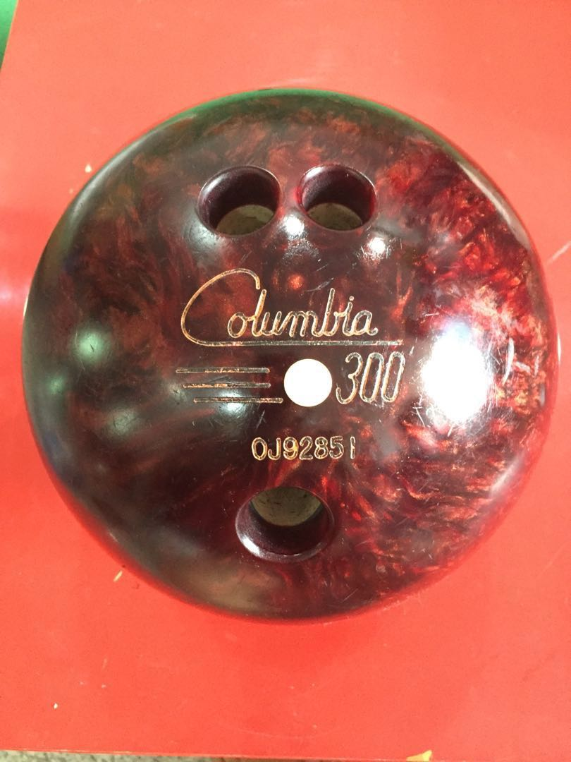 67e9e147fbe8f Bowling Ball Columbia 300 White dot vintage 12lb, Sports, Sports ...